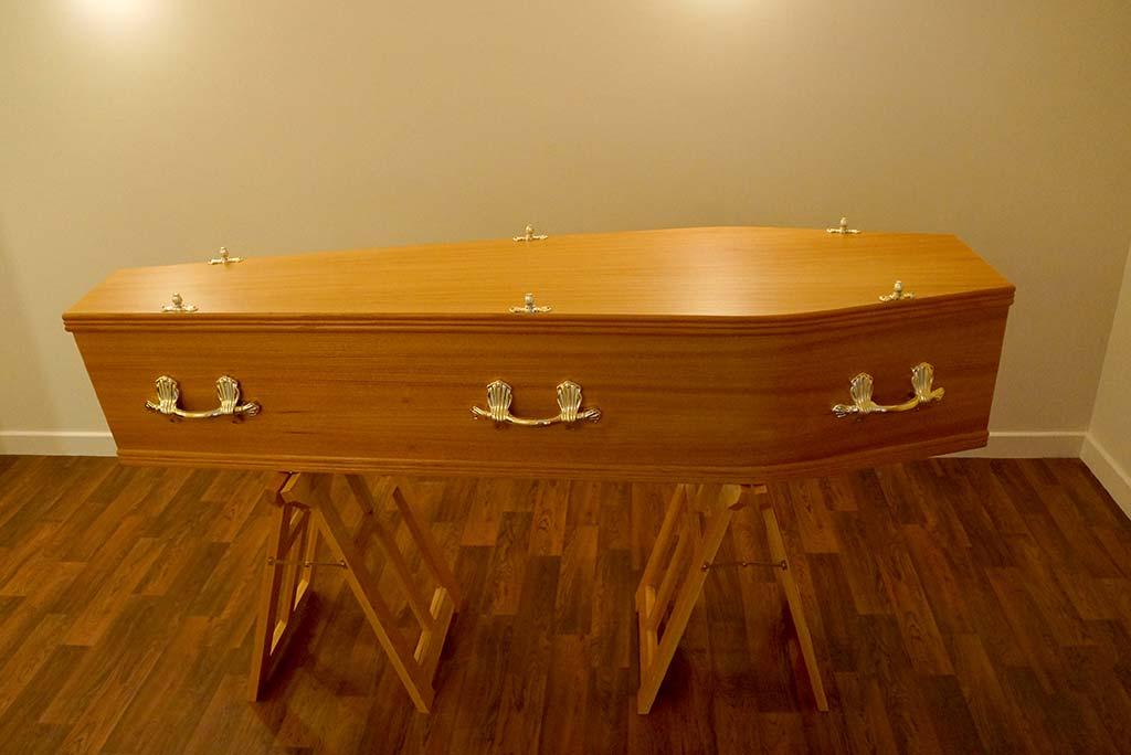 Foil Oak Coffin